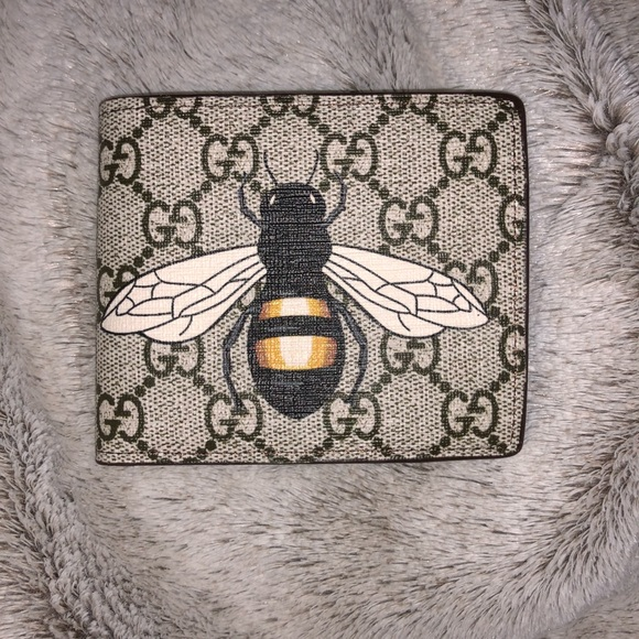 1f0bff31af7 Gucci Other - Gucci GG Supreme Bee Wallet